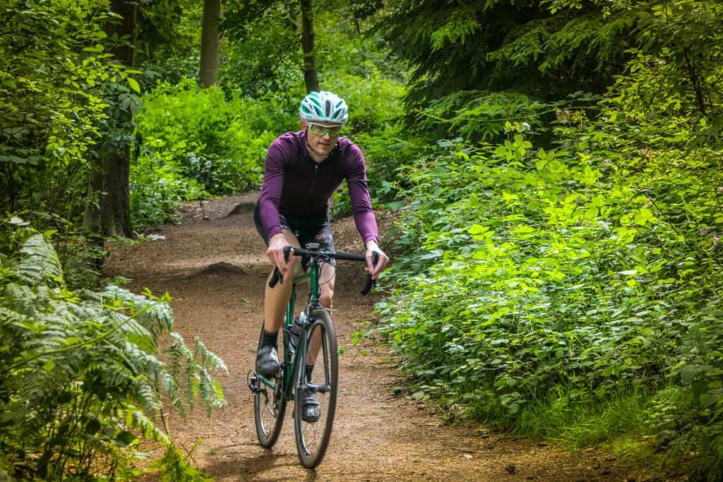 Isadore long sleeve jersey riding in the woods